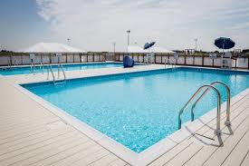 Servicio integral de limpieza de piscina.